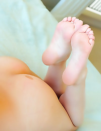 Sexy girl sucks her toes and ...