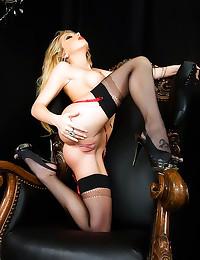 Shawna Lenee glamorous pornst...