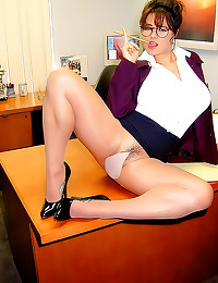 Busty office babe pantyhose t...