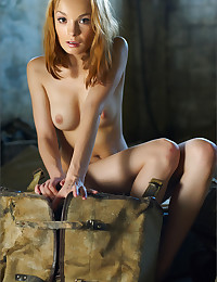 Kalista strips and shows her hot body for your entertainment.