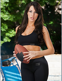Sporty babe with tight body