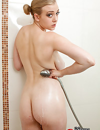 Sexy Megan Has An Arousing Shower