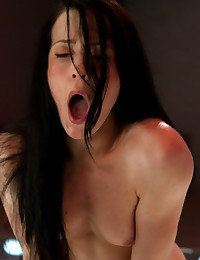 Alien head with mega-vibe rips orgasms from her clit, a robot fucks her pussy until she cums - the future of fucking has arrived.