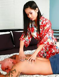 Asian masseuse laid lustily
