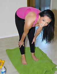 Babe does yoga