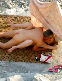 Voyeur sex on the beach