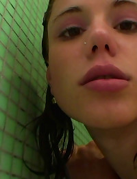 Slutty 18yo teen gets roughly penetrated in shower