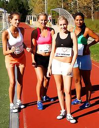 Running girls have lesbian se...