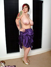 Dors Feline - Good emo girl in silk dress turns into a bad one with no clothes on