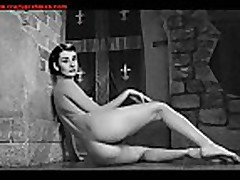 Slideshow: Actresses of the Silver Screen Nude