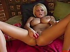 solo girl masturbate with toys romania2