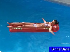 Ponytailed Chesty Teen Play With Pussy In The Pool