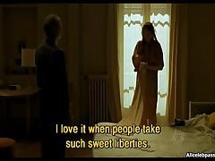 Leelee Sobieski - Pretty Acress Shows Her Sexy Body
