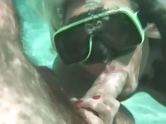 Sexy couple fucking underwater in this hot sex scene !