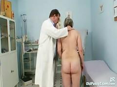 Mature fat pussy Ruzena gyno speculum bizzare clinic