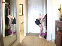 Eroberlin US pornstar Alexis Love skinny room service teen