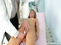 Mature Vladirima gets pussy checked on gynochair